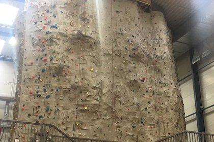 Kletterausrüstung Wien Kaufen : Kletterhalle wien bouldern und seilklettern